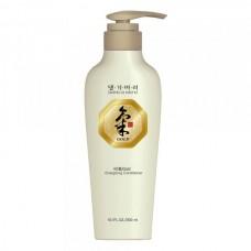 Кондиционер с кератином против ломкости волос Daeng Gi Meo Ri Ki Gold Energizing Conditioner